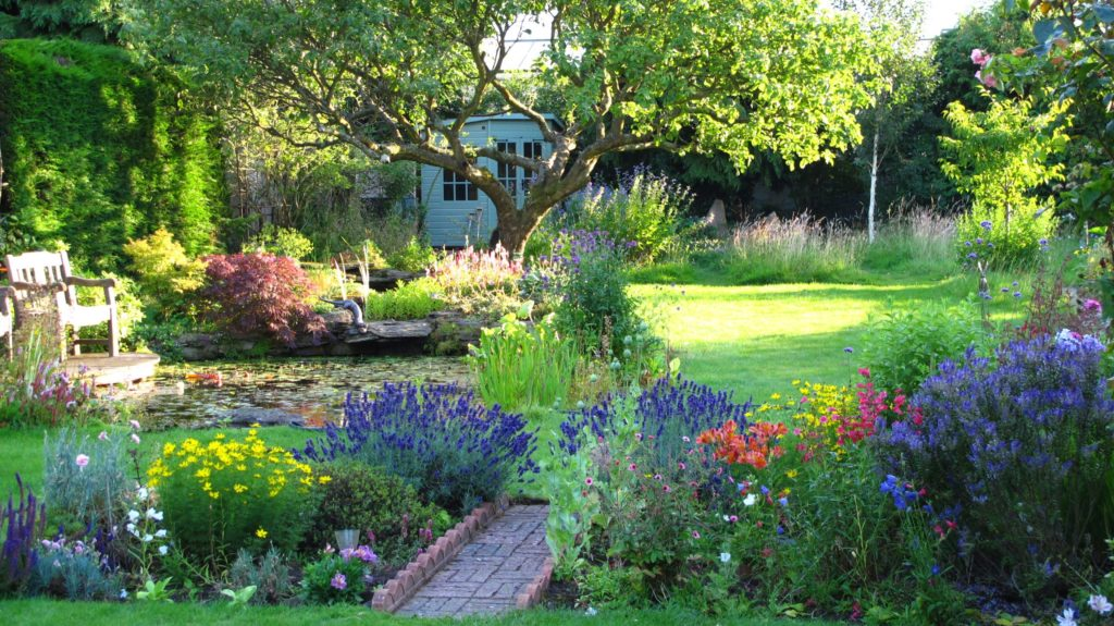 Сад в стиле кантри