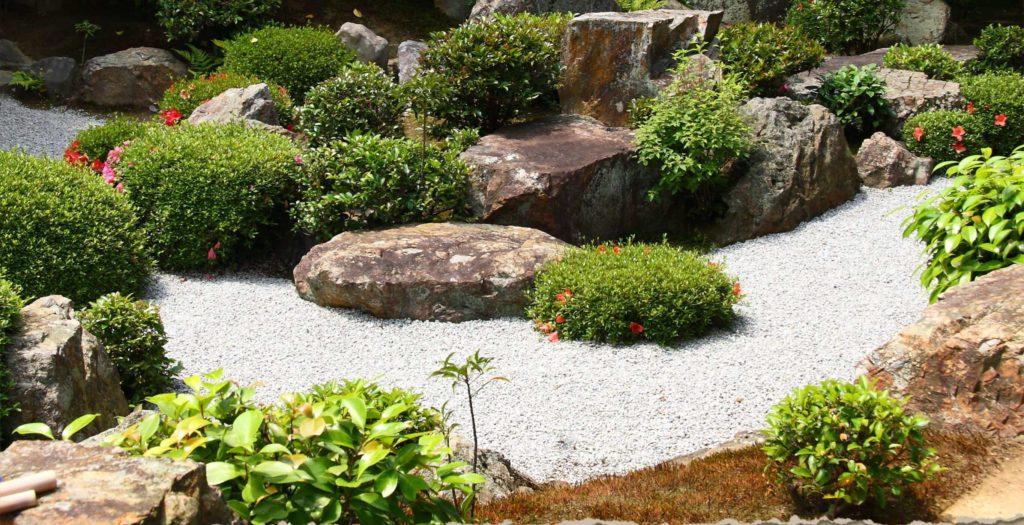 Камни - украшения ландшафта