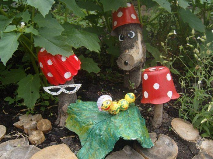 Садовая фигурка из дерева