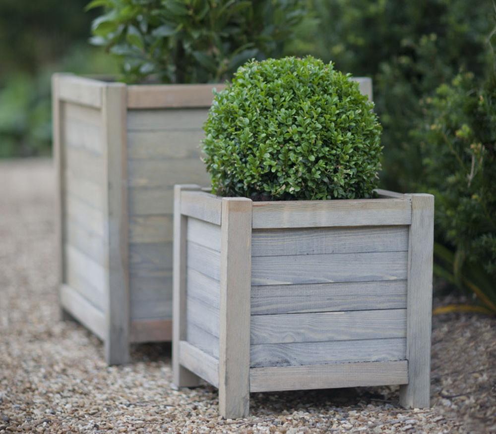 Деревянная кадка для сада