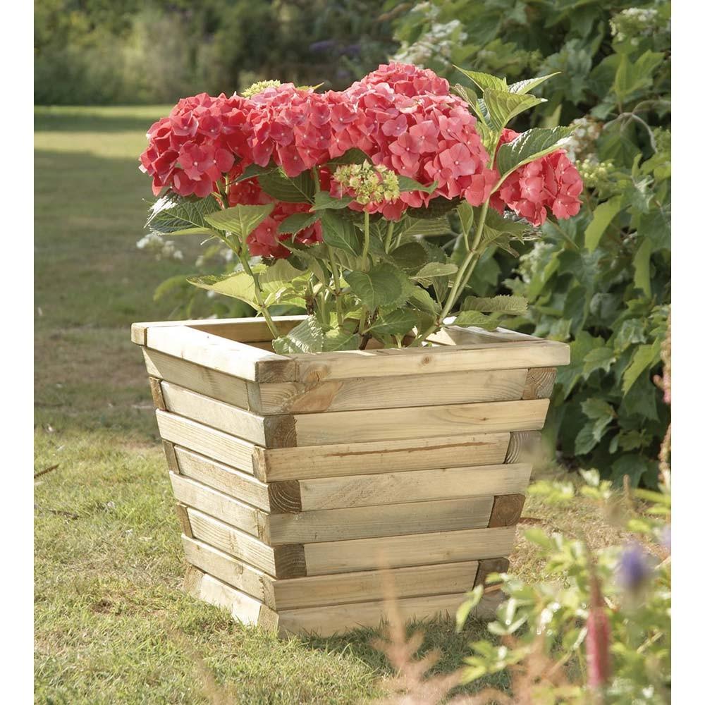 Деревянный вазон для цветов