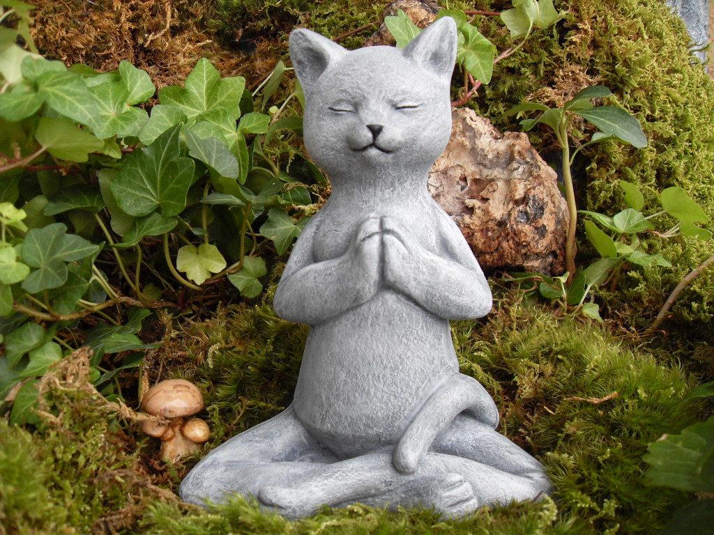 Садовая фигура кота