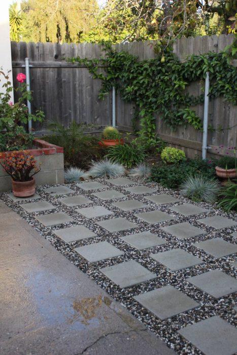 Дорожки из бетонной плитки